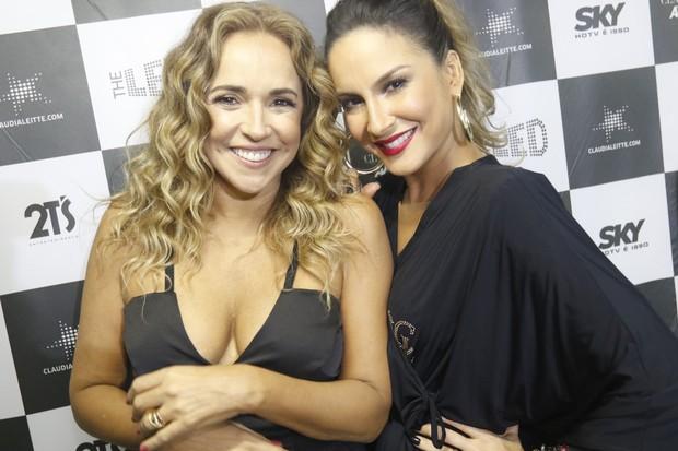 Daniela Mercury e Claudia Leitte nos bastidores do Festival de Verão de Salvador, na Bahia (Foto: Fred Pontes/ Divulgação)