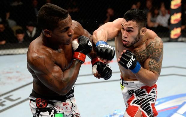 UFC Brad Tavares x Lorenz Larkin MMA (Foto: Getty Images)