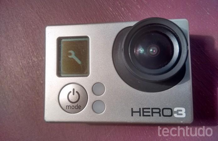 Ícone de configurações no visor LCD da GoPro  (Foto:  Reprodução/Raquel Freire)