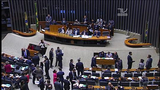 Temer entra na batalha pelo apoio de deputados dissidentes do PSB
