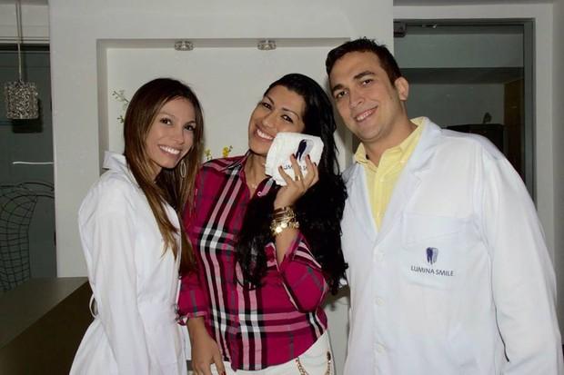 Mulher Moranguinho após realizar a cirurgia de diminuição da bochehca (Foto: Divulgação / Noeme Wendling)
