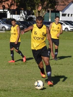 Willian foi pivô de dois problemas disciplinares (Foto: Sidney Magno Novo/GloboEsporte.com)