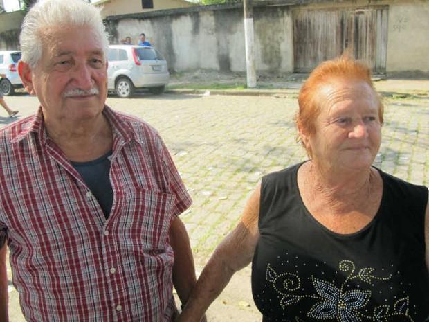 Casados há 55 anos, casal vota junto desde 1969 em Guarujá, SP (Foto: Bruno Gutierrez/G1)