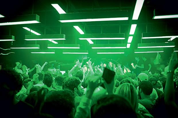 INOVADORA A balada D-Edge,  em São Paulo, foi o primeiro endereço visitado pelos DJs estrangeiros que levaram a música eletrônica brasileira para o exterior (Foto: Divulgação)