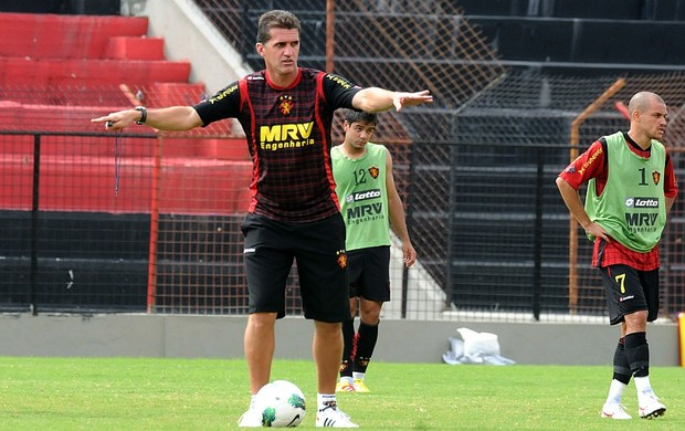 Treino sport v&#225;rgner mancini (Foto: Aldo Carneiro / Pernambuco Press)