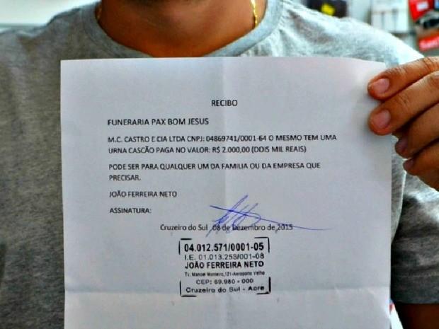Empresário recebeu pagamento em caixão (Foto: Adelcimar Carvalho/G1)