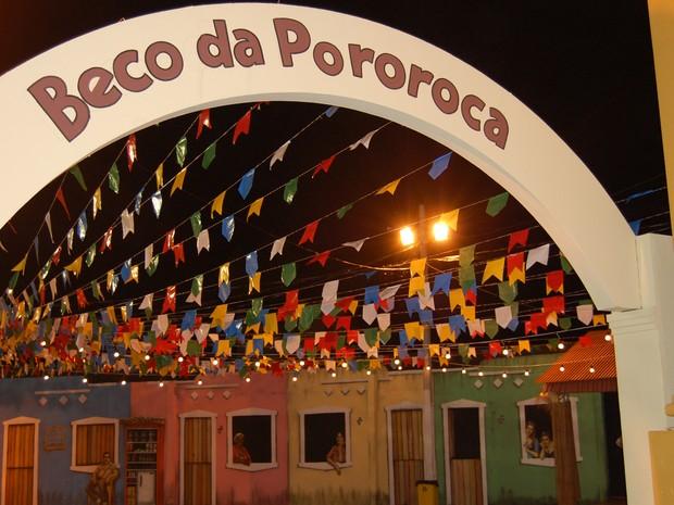 Beco da Pororoca real fica entre as ruas Vidal de Negreiros e João Tavares, em Campina Grande (Foto: Rafael Melo/ G1)