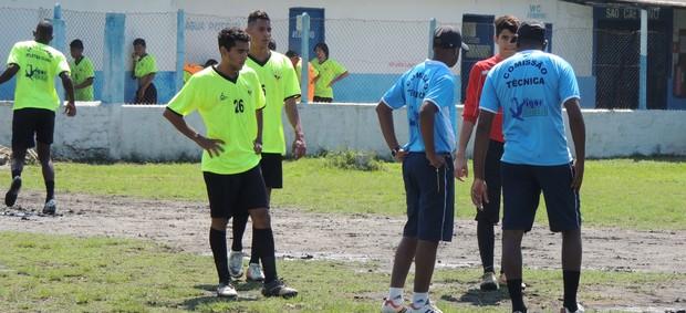 Jogadores do Usac treinam para torneio na Bolívia (Foto: Thiago Fidelix / Globoesporte.com)