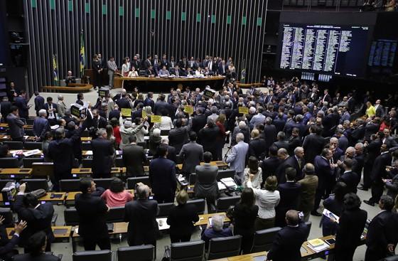 A sessão que barrou a denúncia por corrupção contra o presidente Michel Temer (Foto: Gilmar Felix / Câmara dos Deputados)