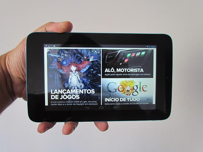 Desempenho para navegar na web e rodar jogos é satisfatória (Foto: Paulo Alves/TechTudo)