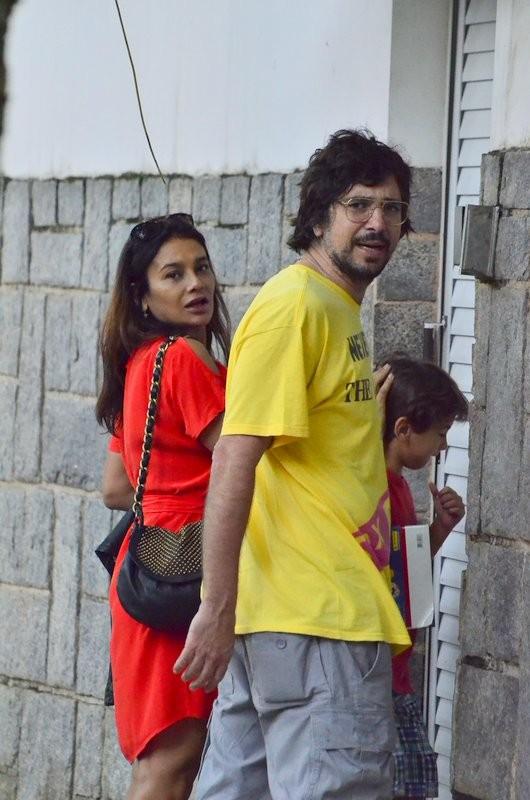Dira Paes com a família (Foto: JC Peireira e Henrique Oliveira / AgNews)