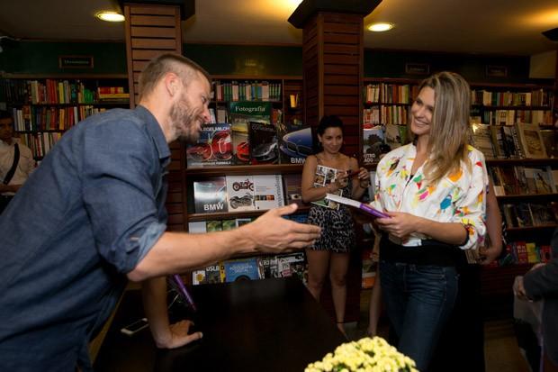 Fernanda Lima no lanamento do livro Tempero de Famlia com Rodrigo Hilbert (Foto: Elisa Mendes)