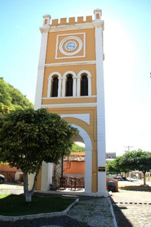 Torre do Relógio do centro histórico de Piranhas (Foto: Waldson Costa/ G1)
