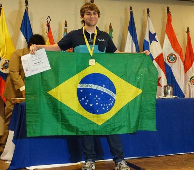 Murilo Zanarella levou medalhas em 50 olimpíadas nacionais e internacionais na área de exatas (Foto: Arquivo pessoal)