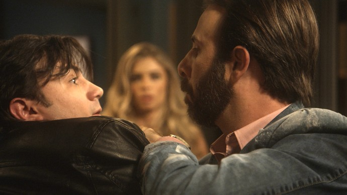 Hércules quer saber o que fizeram com Tiago (Foto: TV Globo)