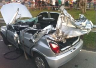 Acidente aconteceu na tarde deste sábado (Foto: Tatyana Jorge/TV Tribuna)