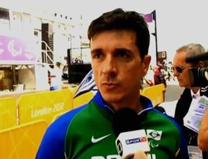 Ciclista brasileiro João Alberto Schwindt, da prova contra-relógio nas Paralimpíadas de Londres (Foto: Reprodução SporTV)