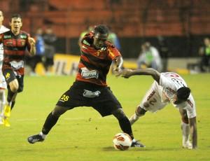 diego maurício sport x náutico (Foto: Aldo Carneiro / Pernambuco Press)