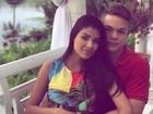 Ex-BBB Munik Nunes posa com o noivo e fala do casamento: 'Ansiosos'