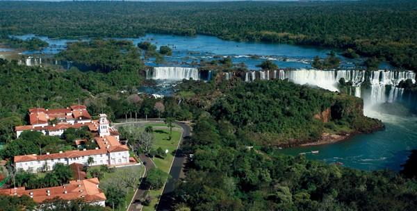 Belmond Cataratas: o visual exuberante do hotel em meio às cataratas de Foz do Iguaçu (Foto: Divulgação)