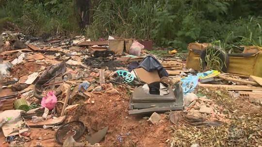 De forma irregular, moradores de cidades vizinhas descartam lixo em Nova Odessa