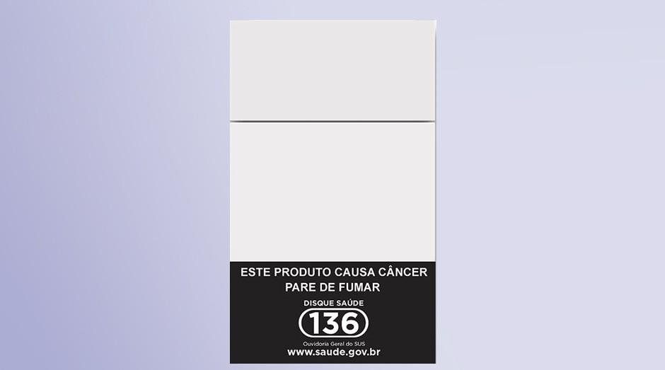 Advertência na frente dos pacotes de cigarro está em vigor desde o ano passado. Souza Cruz quer remover mensagem (Foto: Divulgação)