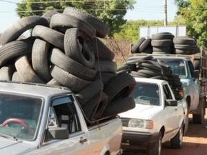 Coleta de pneus em Santa Bárbara (Foto: Prefeitura/Divulgação)