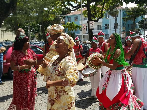 Maracatu Nação Porto Rico é um dos homenageados do carnaval do Recife em 2016 (Foto: Katherine Coutinho/G1)
