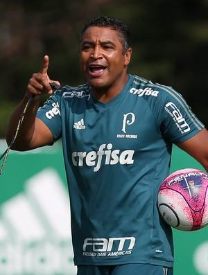 BLOG: Roger Machado deve manter a mesma formação contra o Red Bull Brasil