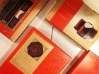 Fani tem novo amor e posta foto de chocolates que ganhou do affair