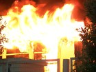 Incêndio destrói parte de prédio de superintendência de banco em Cuiabá