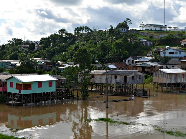 Rio JUruá atinge a cota de alerta em Cruzeiro do Sul (Foto: Adelcimar Carvalho/G1)