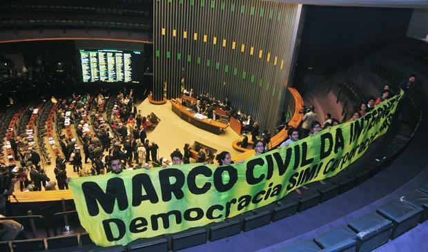 Apoio ao Marco Civil no dia de aprovação do projeto na Câmara (Foto:  Gustavo Lima/Câmara)