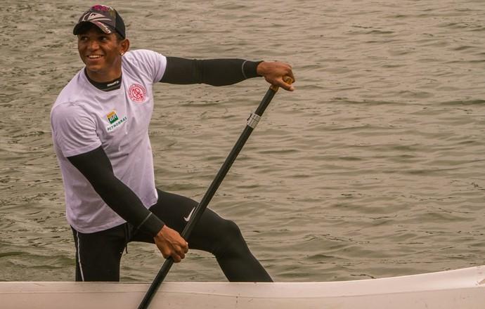 Isaquias Queiroz está se preparando para o Aquece Rio (Foto: Murilo Ribas / Confederação Brasileira de Canoagem)