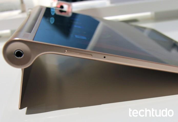 Yoga Tablet 10 HD+ (Foto: Isadora Díaz/TechTudo)