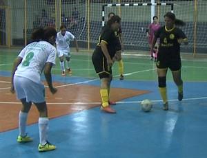Assermurb enfrenta Campo Grande no Acreano de Futsal Feminino (Foto: Reprodução/TV Acre)