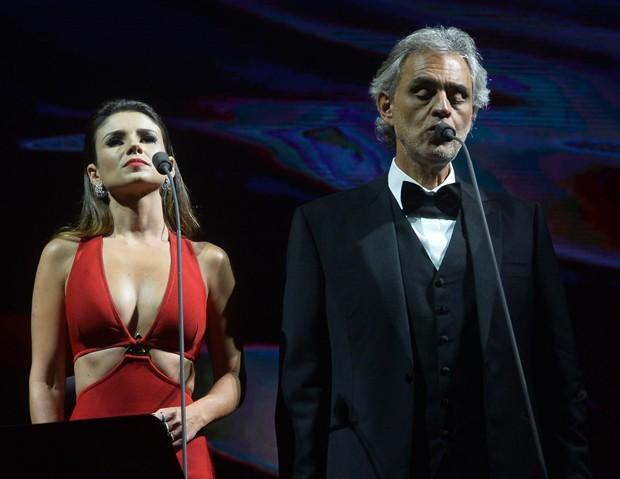 Paula Fernandes e Andrea Bocelli (Foto: Manuela Scarpa/Brazil News)