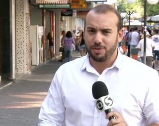 Comércio em horário especial de Natal (Foto: Bom Dia Rio)