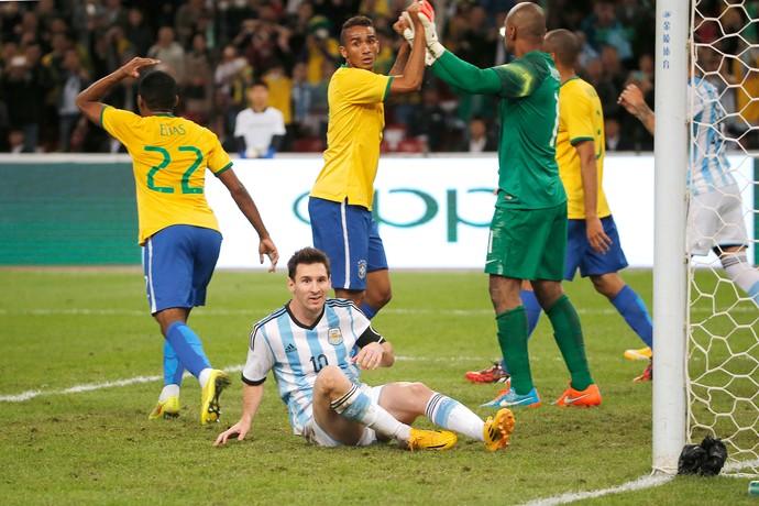 Defesa Jefferson, Messi, Superclassico, Brasil x Argentina (Foto: AP)