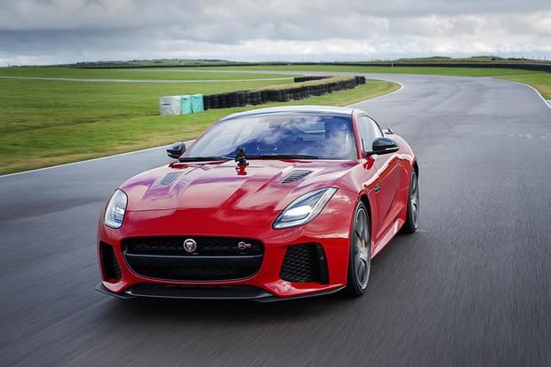 Jaguar F-Type passa por facelift e se torna compatível com Go-Pro