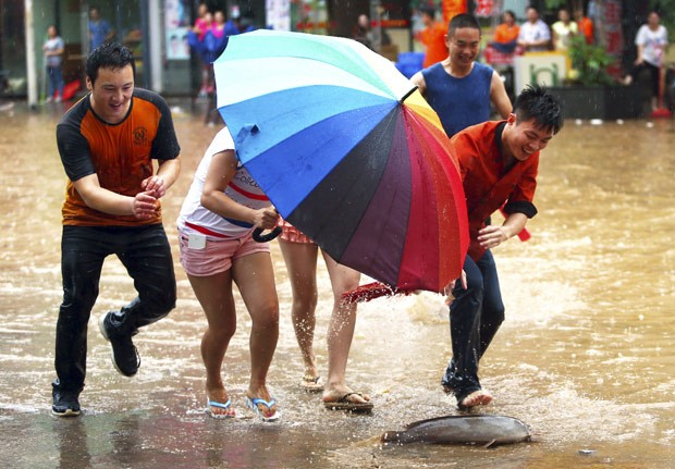 Cena ocorreu na cidade de Dongguan, na província de Guangzhou (Foto: China Daily/Reuters)