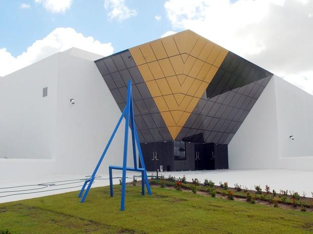 Museu Assis Chateaubriand (MAC) em Campina Grande recebe a exposição 'Deusas Gregas' da artista plástica Lili Brasileiro (Foto: Nicolau de Castro/Jornal da Paraíba)