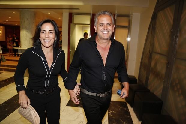 Glória Pires e Orlando Morais em estreia de peça no Rio (Foto: Felipe Assumpção/AGNews)