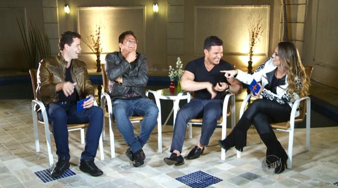 Pedro e Aline se divertem com as histórias dos cantores Leonardo e Eduardo Costa  (Foto: reprodução EPTV)
