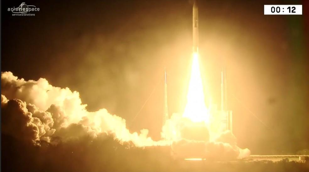 Brasil lança satélite que permitirá acesso à banda larga em áreas remotas (Foto: Reprodução/NBR)
