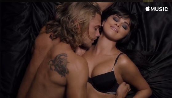 Selena Gomez e Christopher Mason (Foto: Reprodução)