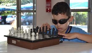 Projeto busca contribuir para a formação, habilitação e reabilitação de crianças e adolescentes cegos através do esporte  (Divulgação)
