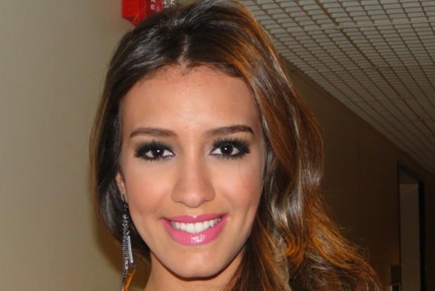 Geórgia conta como é a sua maquiagem preferida (Foto: Caldeirão do Huck/ TV Globo)