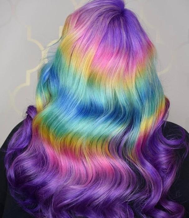 Cabelo de arco-íris está entre nós (Foto: Reprodução/Instagram)