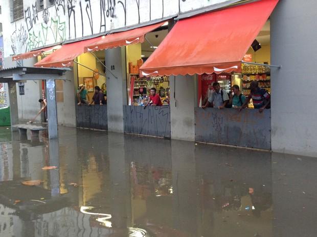 bar na região do Anhangabaú (Foto: Marcelo Mora/G1)